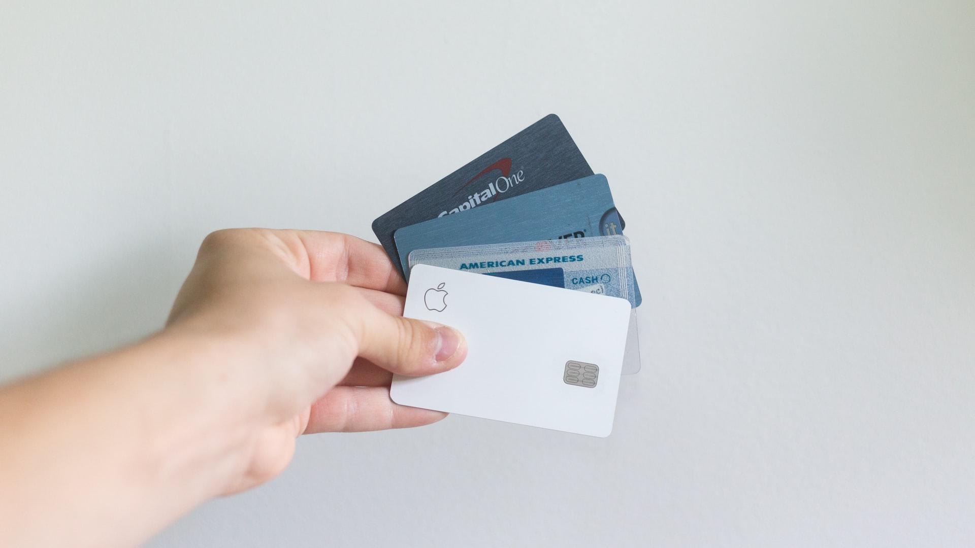 クレジットカードは何枚持ちがベスト?メイン・サブを使い分けるコツ!