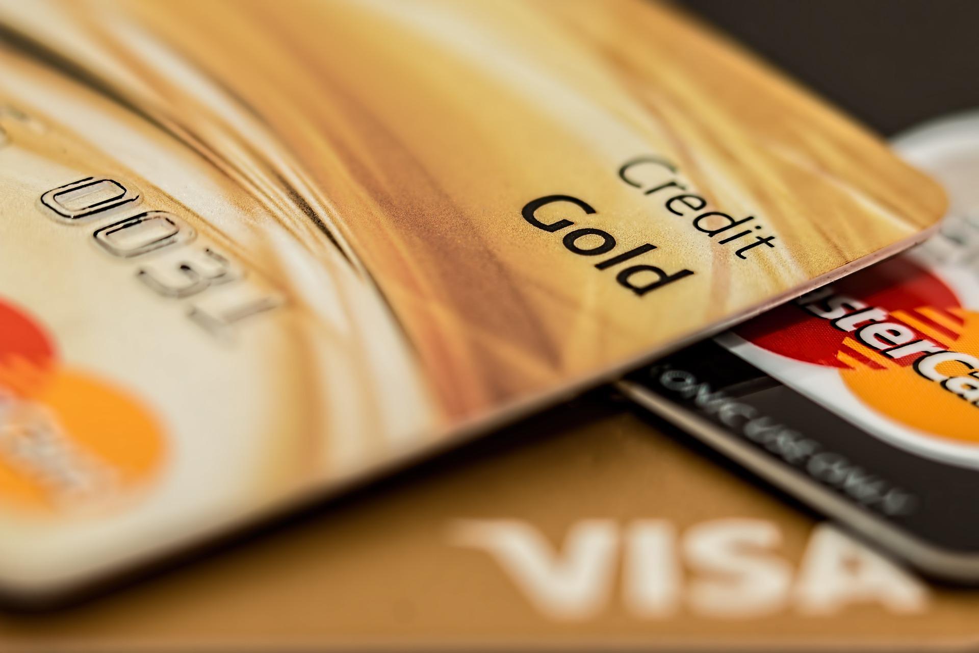 JAL・ANAマイルが効率的に貯まる!おすすめクレジットカード8選