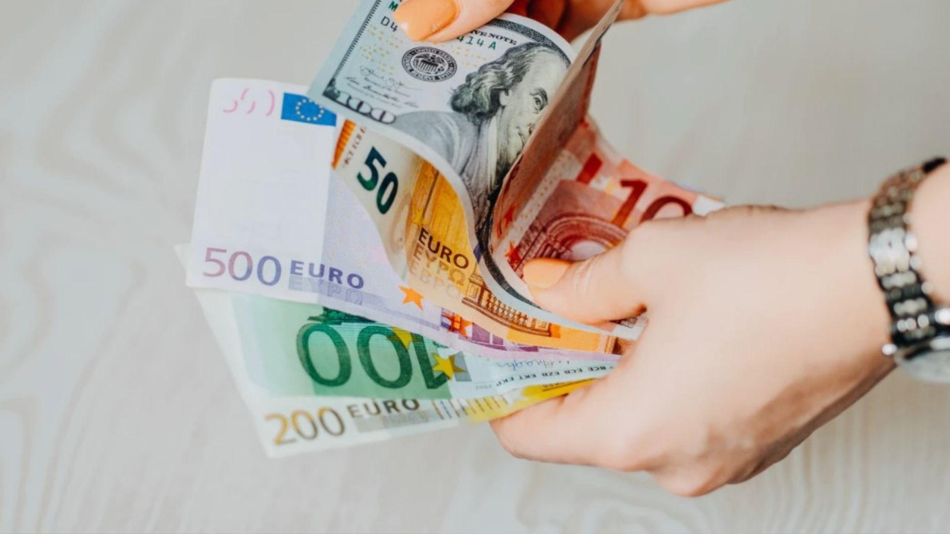 お金を稼ぐアイキャッチ画像